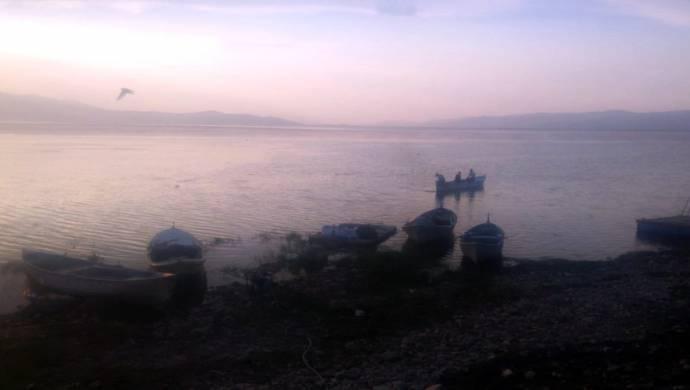 5 kişinin bulunduğu tekne alabora oldu: 2 kişi kayıp