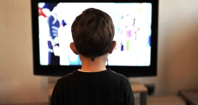 Adana'da üzerine televizyon devrilen Urfalı çocuk yaşamını yitirdi