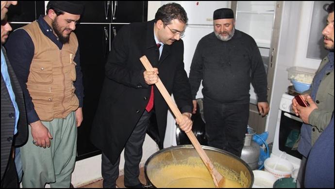 AK Parti Haliliye Belediye Başkan adayı Mehmet Canpolat coşuyor, coşturuyor