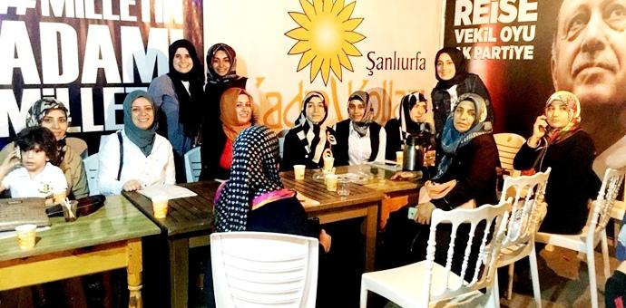 AK Parti Şanlıurfa Kadın Kolları Başkanı Demet Saatçi Güven, Çıralı köyünde