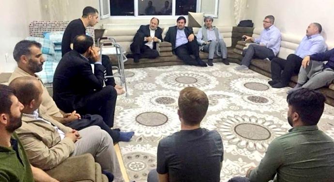 """AK Vekil Gülpınar ev toplantısında;""""Sakın kafanızı karışmasınlar"""""""
