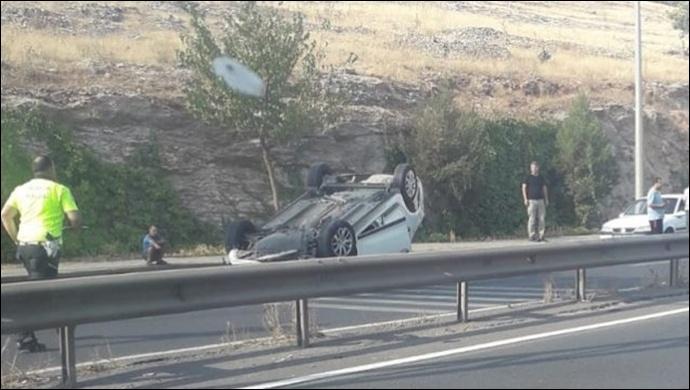 Akabe TOKİ'de Kaza: Araba Takla Attı …