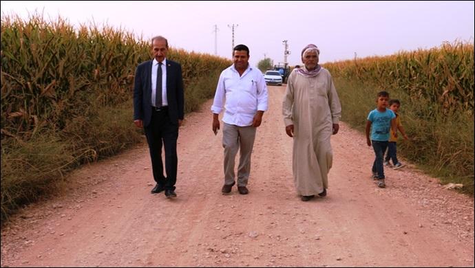 Akçakale Belediyesi'nin Kırsalda Yol Atağı Sürüyor
