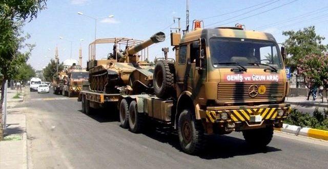 Akçakale'ye askeri araç sevkiyatı devam ediyor