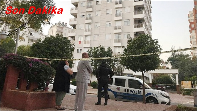 Antalya'da bir aile evlerinde ölü bulundu