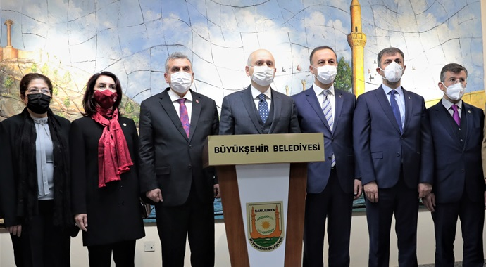 Bakan Karaismailoğlu'ndan Büyükşehir Belediye Başkanı Beyazgül'e ziyaret-(VİDEO)