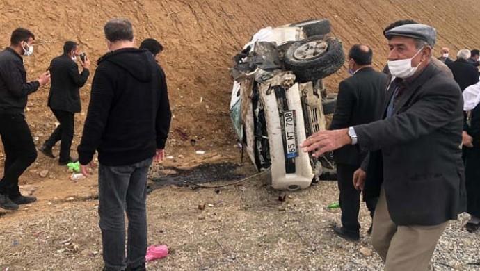 Başkale'de kaza: 2 ölü, 3 yaralı