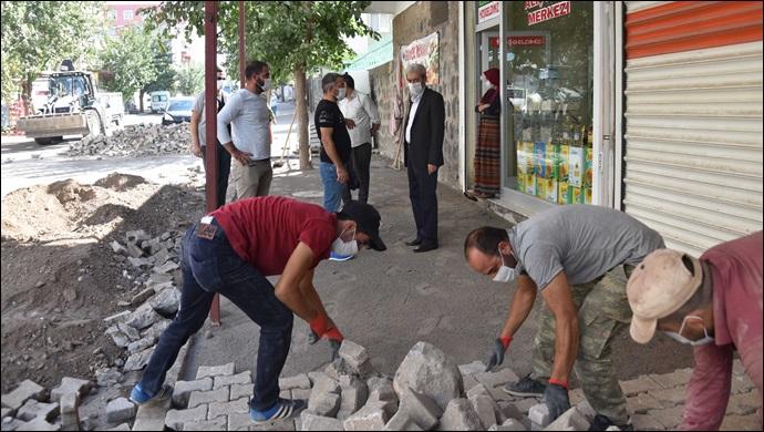 Başkan Aydın; Esnafları ziyaret ederek çalışmaları yerinde inceledi