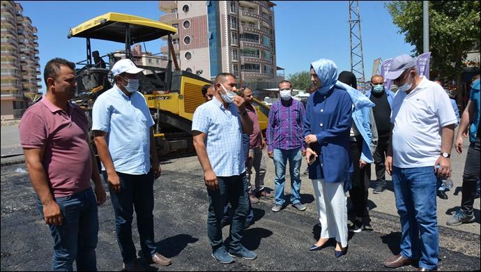 Başkan Ayşe Çakmak asfalt çalışmalarını inceledi