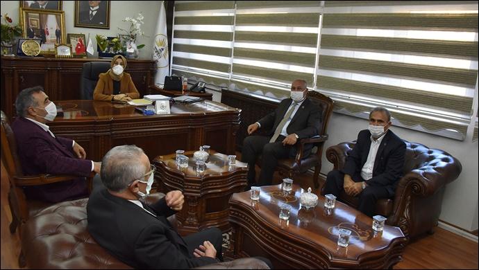 Başkan Ayşe Çakmak belediye başkanlarını ağırladı