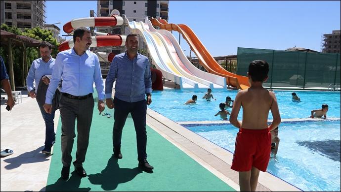 Başkan Baydilli Gençleri Havuza Davet Etti-(Videolu)