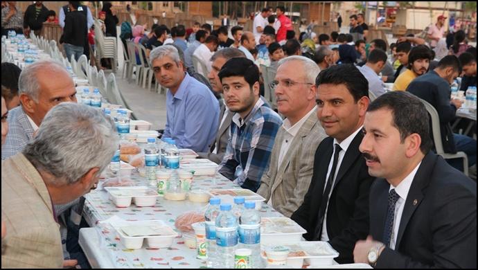 Başkan Baydilli Kardeşlik Sofrasında Vatandaşlarla İftar Açtı