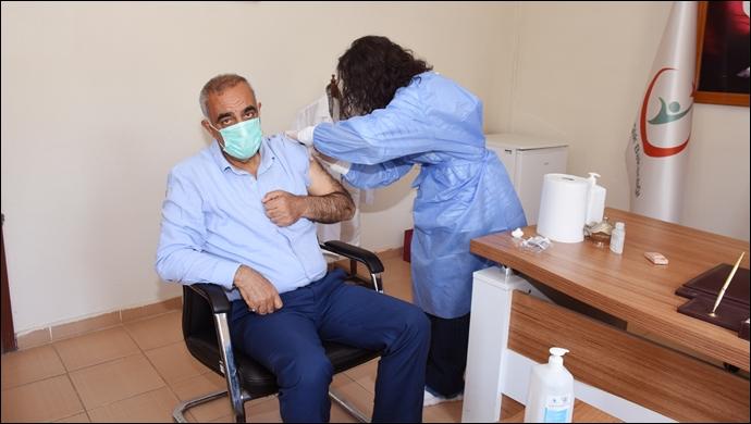 Başkan Bayık ikinci doz aşısını yaptı