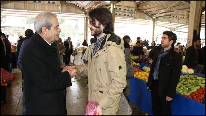 Başkan Demirkol, Semt Pazarında Vatandaşlarla Buluştu