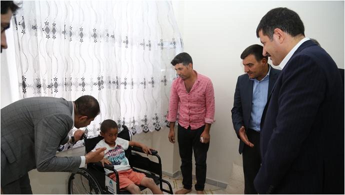 Başkan Ekinci Hasta Çocuğu Sevindirdi