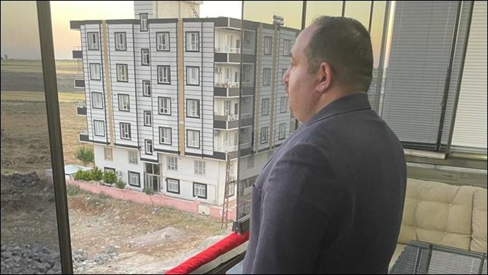 Başkan Ekinci İstiklal Marşını Tüm Viranşehirlilerle Beraber Evin Balkonunda Okudu