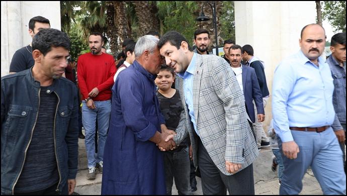 Başkan Özyavuz Cuma Sonrası Vatandaşlarla Bir Araya Geldi