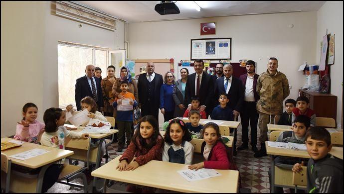 Başkan Soylu, Öğrencilere Karne Dağıttı