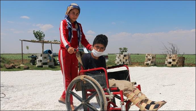 Başkan Yalçınkaya Engelli Çocuğun Yolunu Yaparak Engelleri Kaldırdı