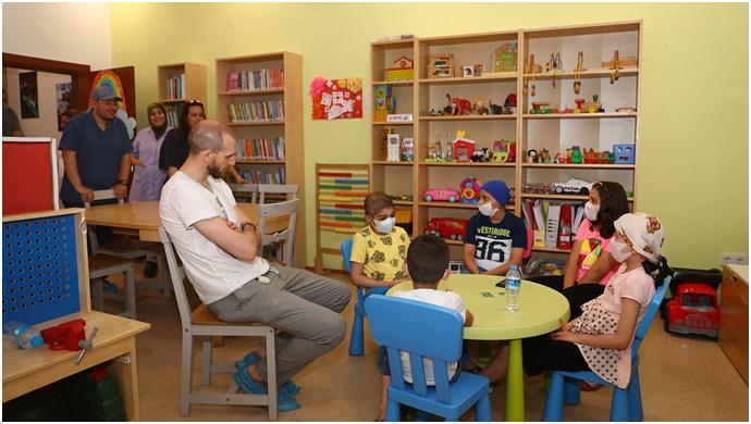 Basketbolcu Sinan Güler KAÇUV Aile Evi'ni Ziyaret Etti
