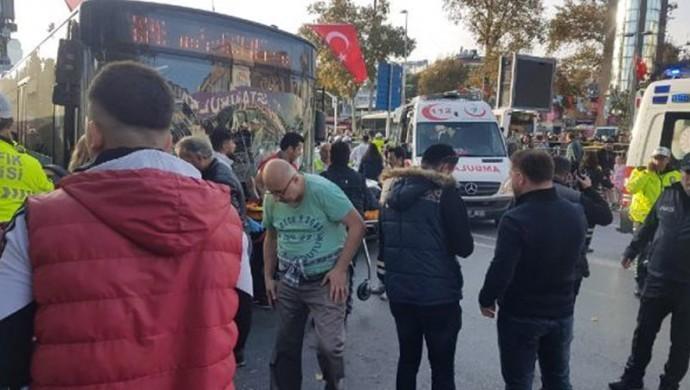 Beşiktaş'ta otobüs durağa daldı: 13 yaralı