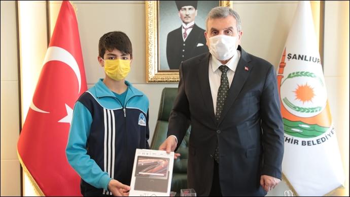 Beyazgül'den Türkiye şampiyonu İslam Turan'a tebrik