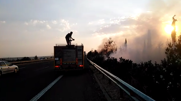 Birecik'te ormanlık alanda yangın! Facia son anda önlendi-(VİDEO)