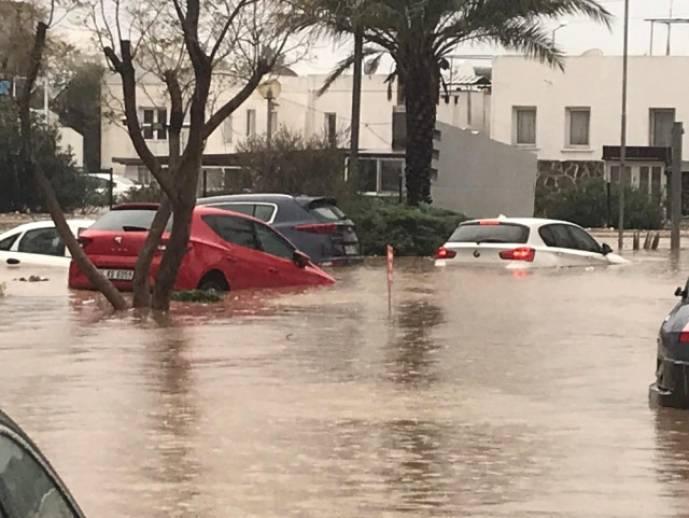 Bodrum'da yağış sele neden oldu