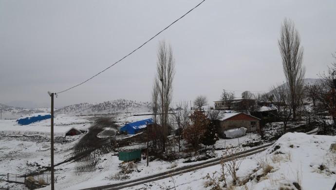 Bölgede kar yağışı: Köy yolları ulaşıma kapandı