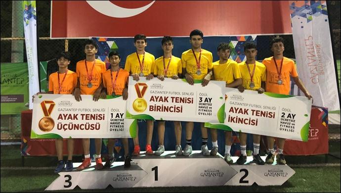 Büyükşehir, Gazi Şehirli Gençlere Futbol Şöleni Yaşattı