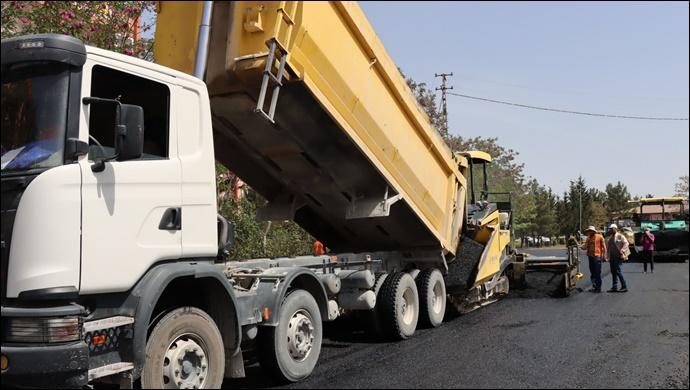 Büyükşehir'den TOKİ Batıkent Mahallesinde asfaltlama çalışmaları