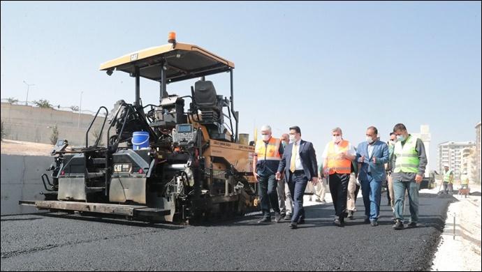 Çevik Kuvvet Köprülü Kavşağında yan yollar asfaltlanıyor-(VİDEO)