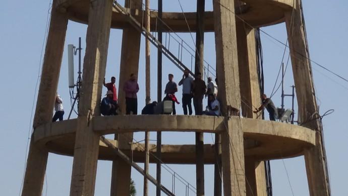 Ceylanpınar Belediyesi'nden Çıkarılan İşçilerden Toplu İntihar Girişimi