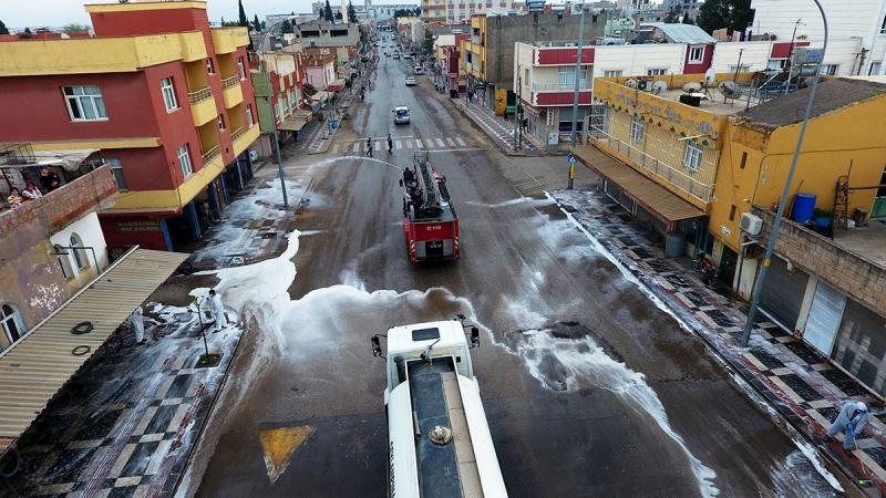 Ceylanpınar'da bütün caddelerde Korona temizliği-(VİDEO)