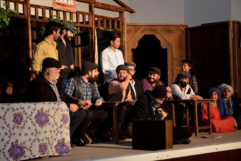 Ceylanpınar'da Tiyatro Oyununa Yoğun İlgi