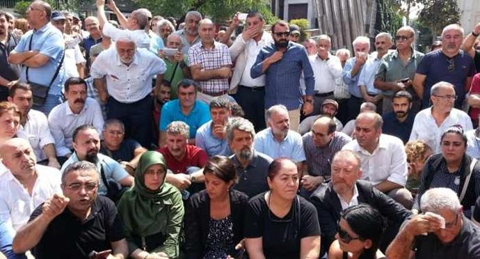 Cumartesi Anneleri'nin 700. eylemi yasaklandı: Çok sayıda kişi gözaltında