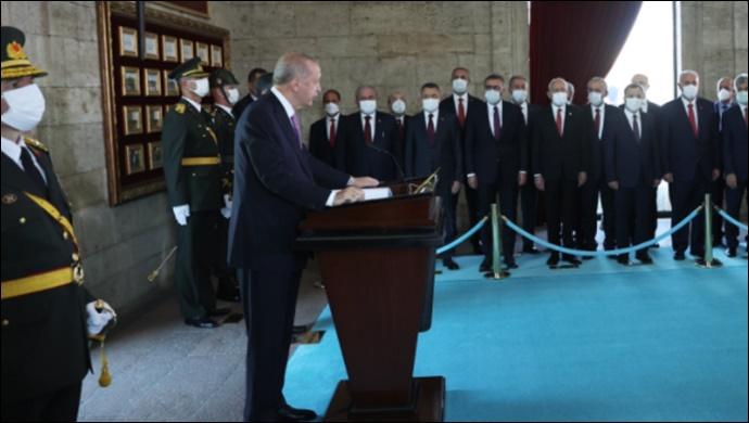 Cumhurbaşkanı Erdoğan, Anıtkabir'de