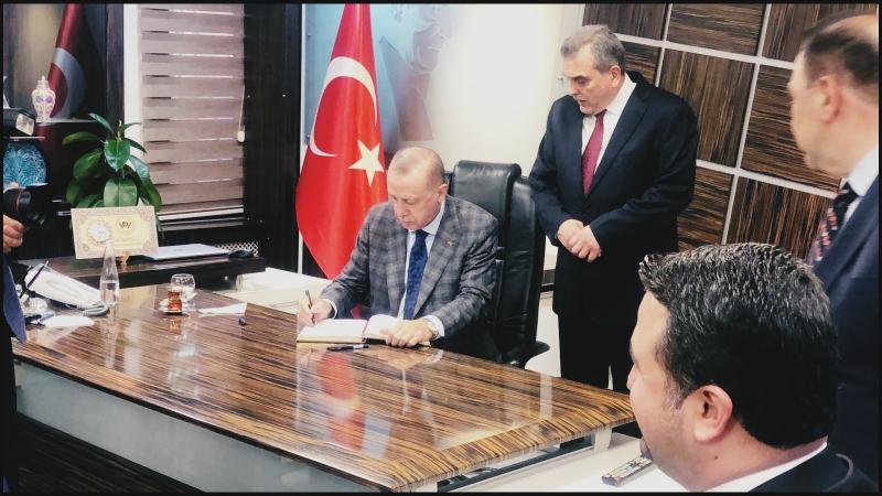 Cumhurbaşkanı Erdoğan Büyükşehir Belediyesini Ziyaret Etti