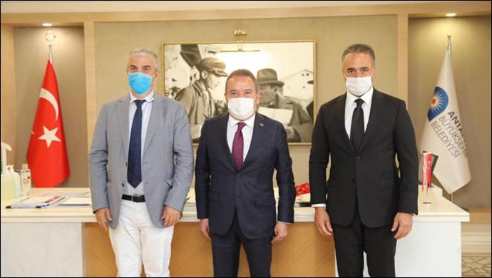 Danimarka Büyükelçisi Danny Annan Başkan Muhittin Böcek'i ziyaret etti