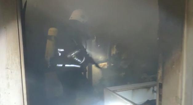 Devteşti'de en yangını! İtfaiye müdahale etti-(VİDEO)