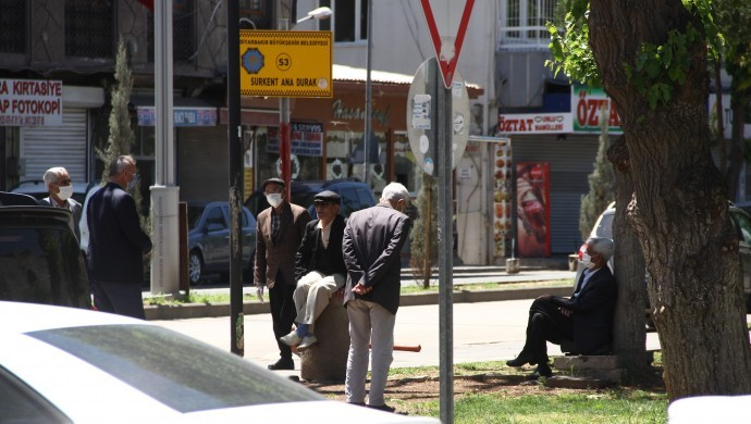 Diyarbakır'da 65 yaş üstüne Kovid-19 kısıtlaması