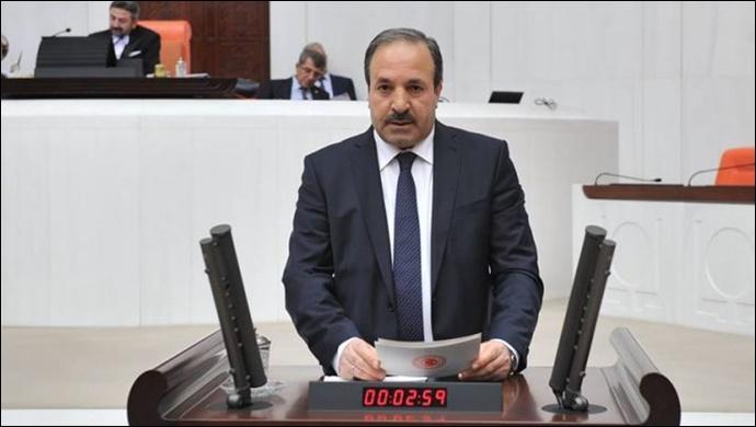 Dr.Halil Özcan'dan Berat Kandili Mesajı