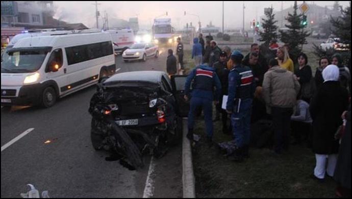 Düzce'de trafik kazası: 12 yaralı