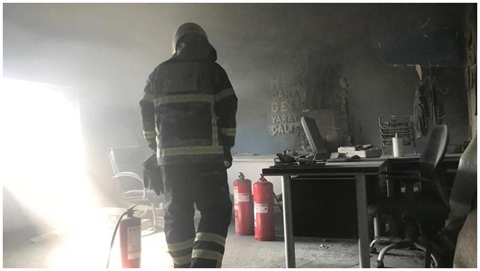 Elektrik kontağı yangına neden oldu: İtfaiye ekipleri müdahale etti-(VİDEO)