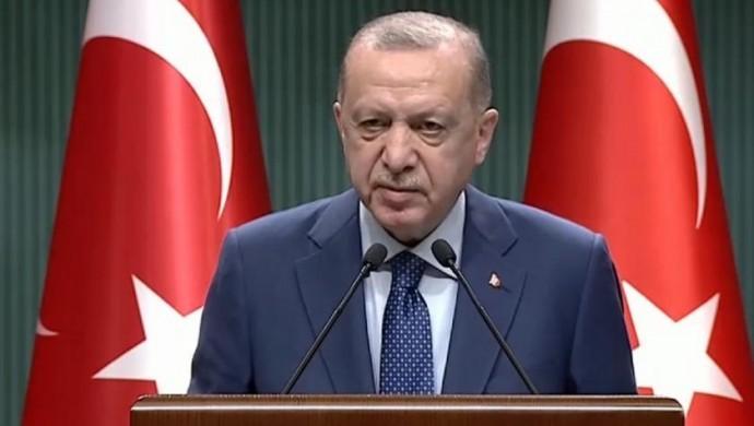 Erdoğan: Riskli illerde Cumartesi sokağa çıkma yasağı devam edecek