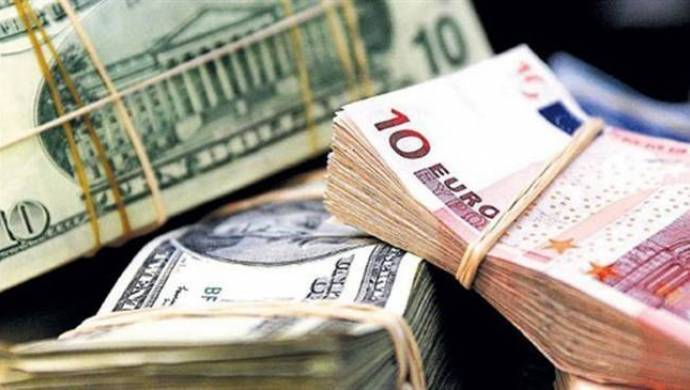 Euro rekor kırdı, dolar zirveyi yeniledi