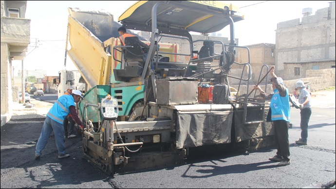 Eyyübiye Belediyesi, Asfalt Serim Çalışmalarını Sürdürüyor
