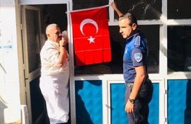 Eyyübiye Belediyesi, Mehmetçiğe Destek İçin Türk Bayrağı Dağıttı