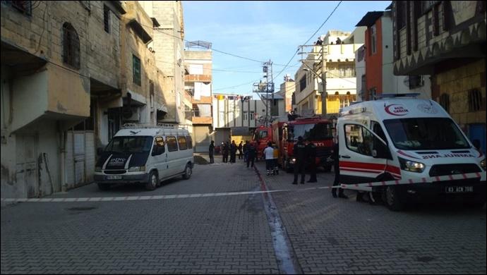 Eyyübiye'de rehine krizi! İki yengesini bıçakla rehin aldı-(VİDEO)