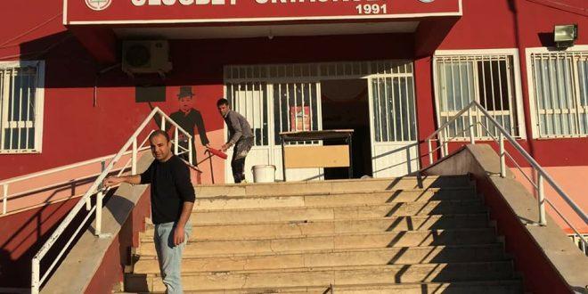 Fedekar öğretmenler, okullarını bakım ve onarımını üstleniyor